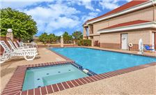 Days Inn Granbury - Pool