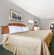 2 Queen Bedroom in Days Inn Granbury